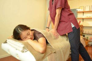 リラクゼーション マッサージ 肩こり 腰痛
