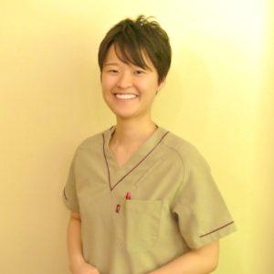女性鍼灸師